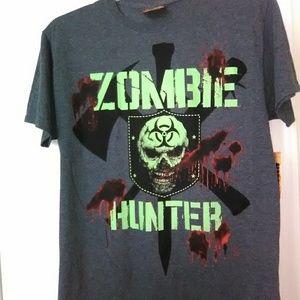 Men's Scary Zombie Hunter Shirt size Medium
